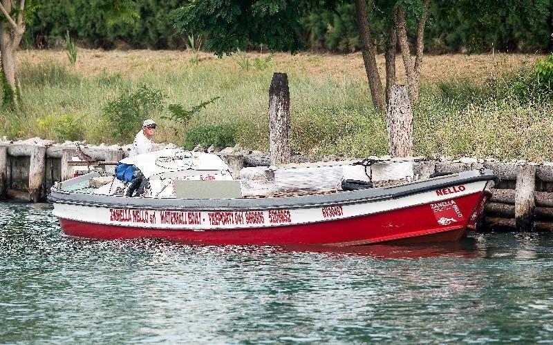 Trasporti con motobarche Zanella Nello