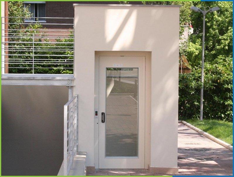 enclosed lift