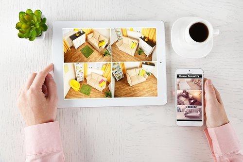 un tablet e uno smartphone integrati all'allarme