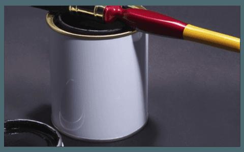 Etichettatrici barattoli vernici e detergenti