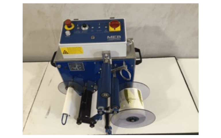 Labelling machine for industries