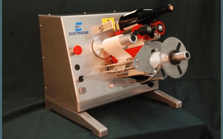 Macchine con sistema etichettatore