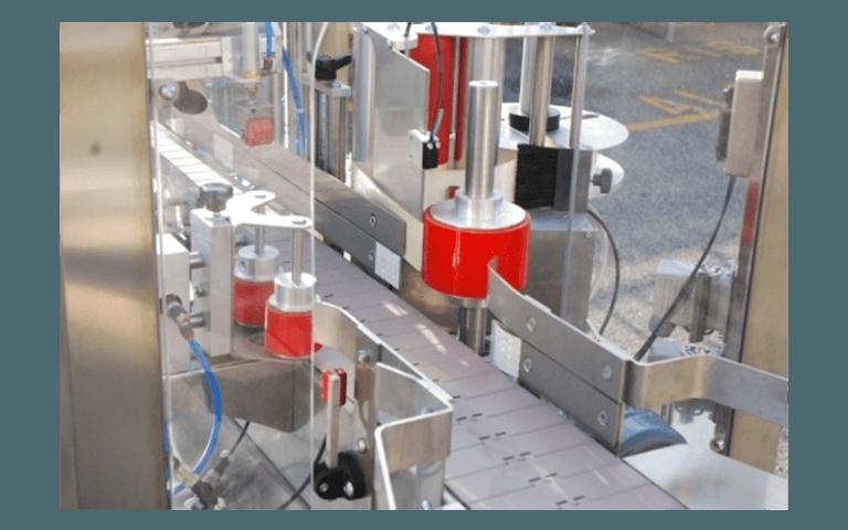 Sistema etichettatore