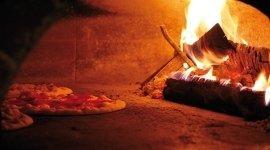 forno a legna, pizzeria forno a legna, pizza napoletana