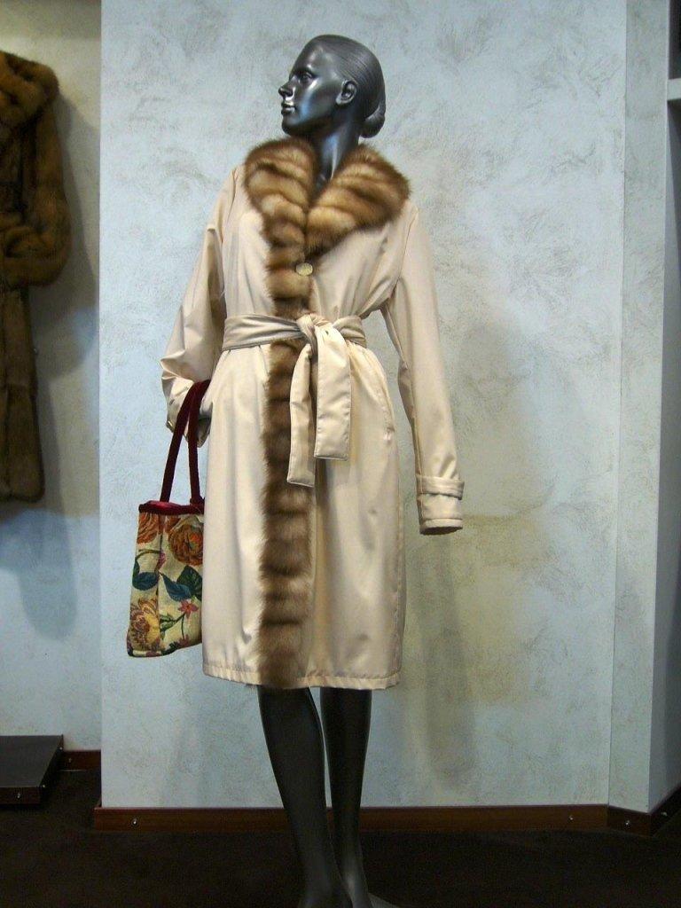 cappotto bianco con pelo