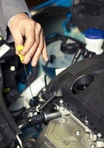 installazione autoradio, condizionatori d'aria, autoriparazioni