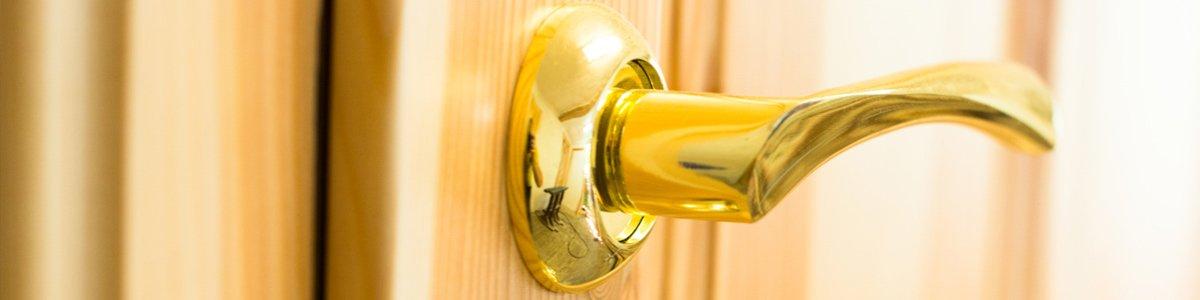 an old bar locksmith service golden door handle