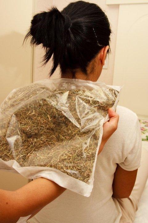 impacchi con cuscini di fiori di fieno