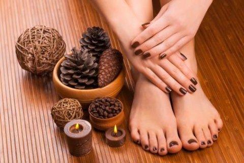 manicure a pedicure