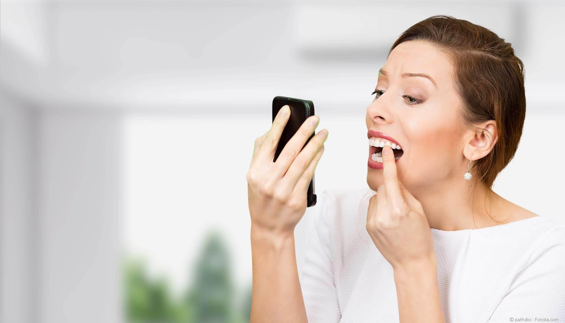 Parodontitisbehandlung Friedrichshafen bei Zahnfleischentzündungen und Zahnlockerung