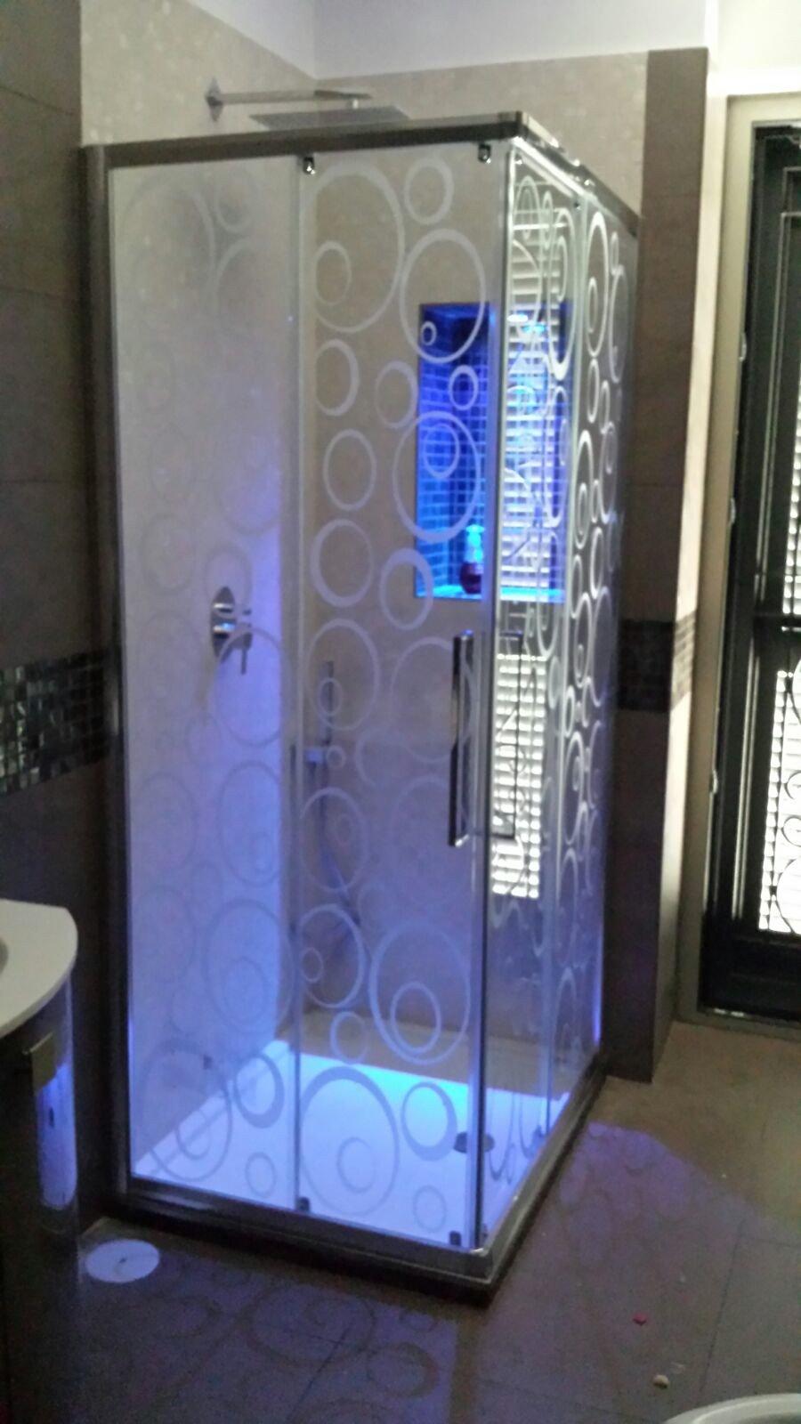 Box doccia con vetro sabbiato