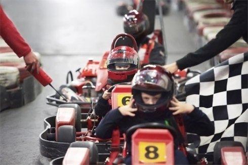 kart per bambini, circuiti per gare, corsi per piloti di kart