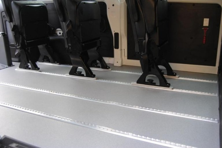 Medium-sized disabled transport vehicles