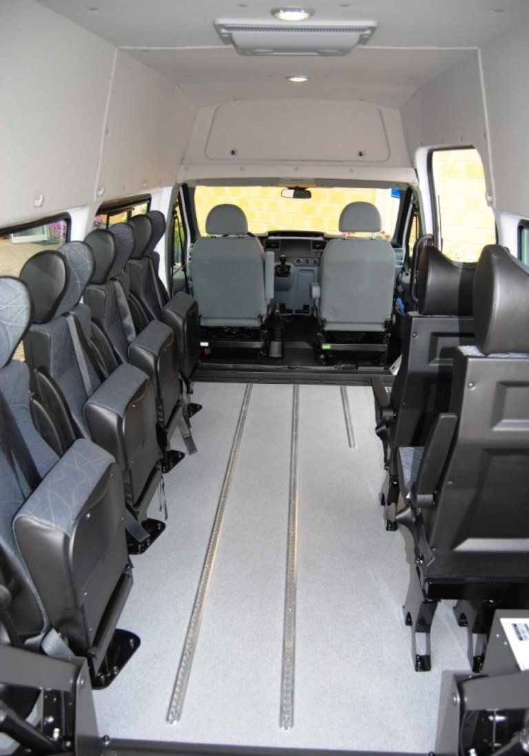 Véhicules de grande taille pour le transport de personnes handicapées