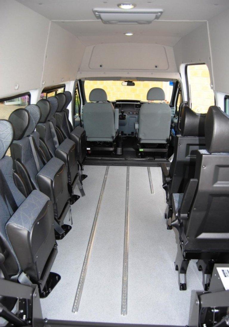 Großraumfahrzeuge für den Transport von Behinderten