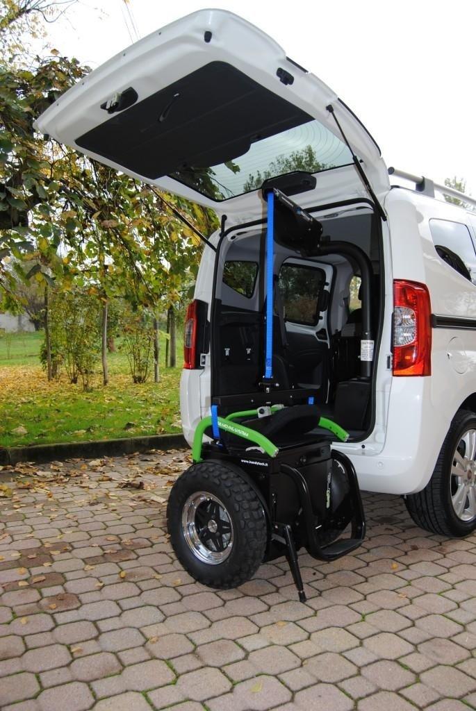 Umsetzen von Behinderten in Fahrzeuge