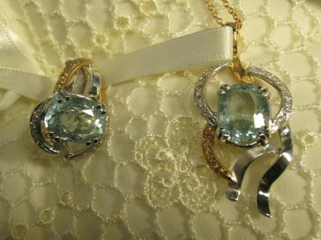 collana oro bianco e pietre