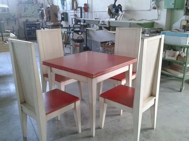 Tavole e sedie in legno a Leonessa