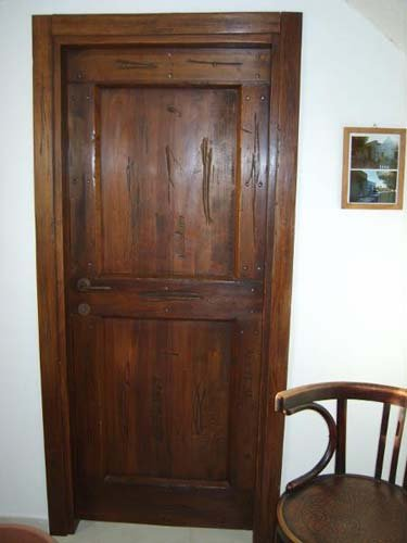 Porte in legno a Leonessa