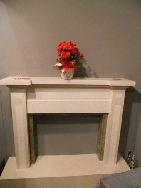 caminetto in marmo