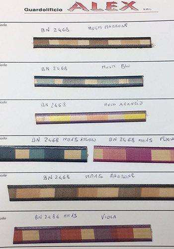 dei campioni di materiale per le borse
