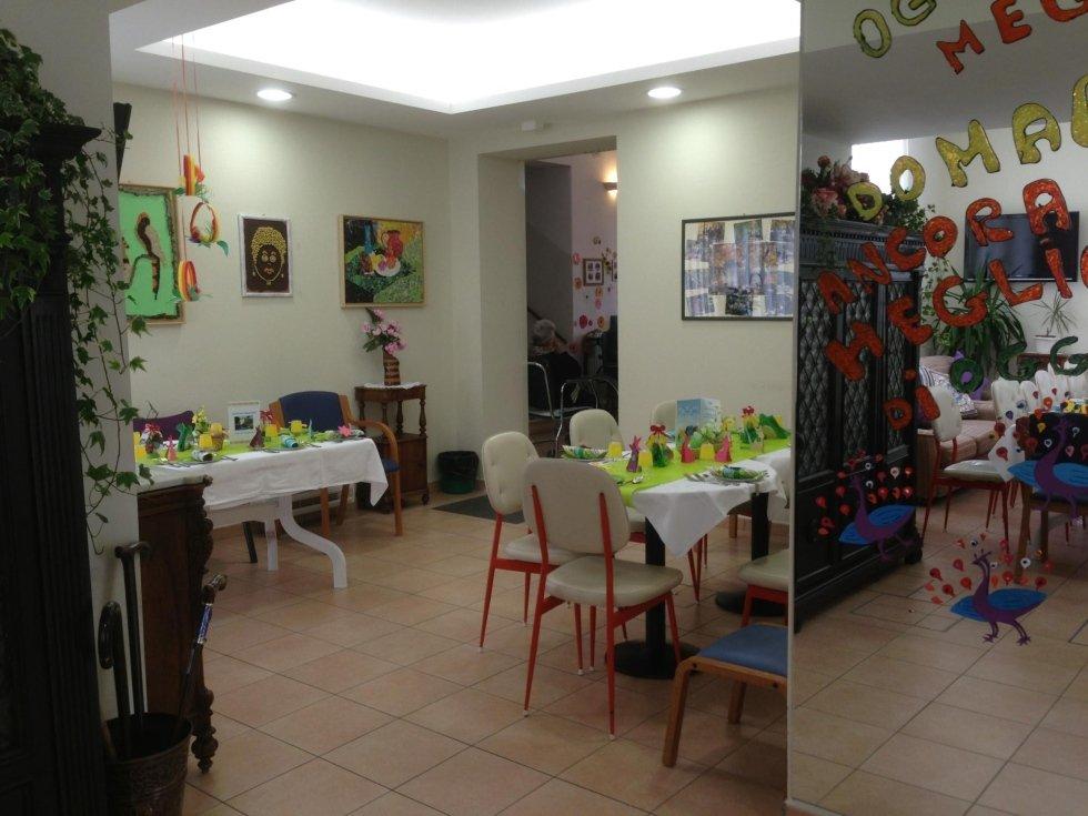 gli interni della casa di riposo asilo dei nonni