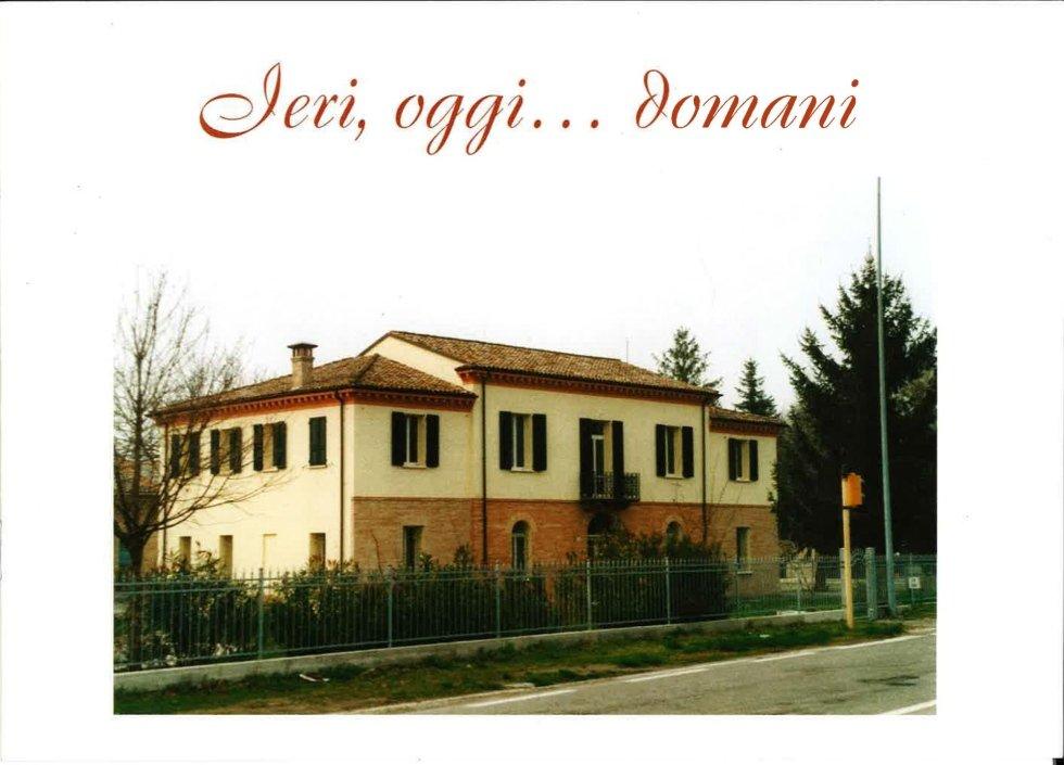 immagine di una casa gialla con scritto IERI, OGGI, DOMANI