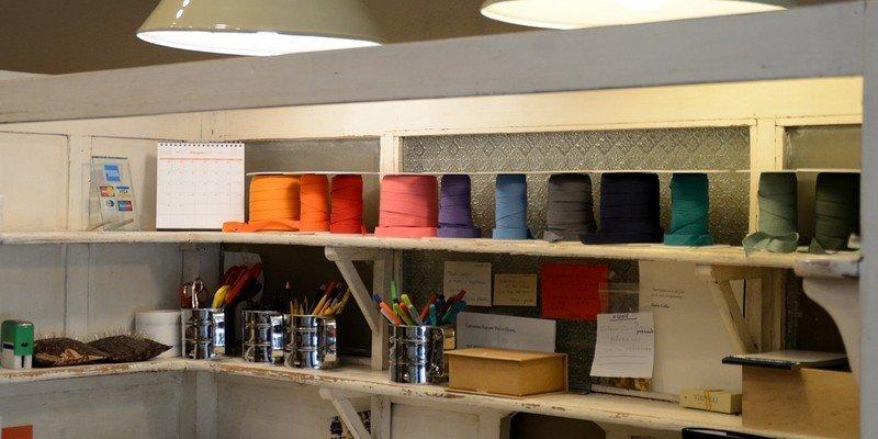 diversi tipi di nastri colorati