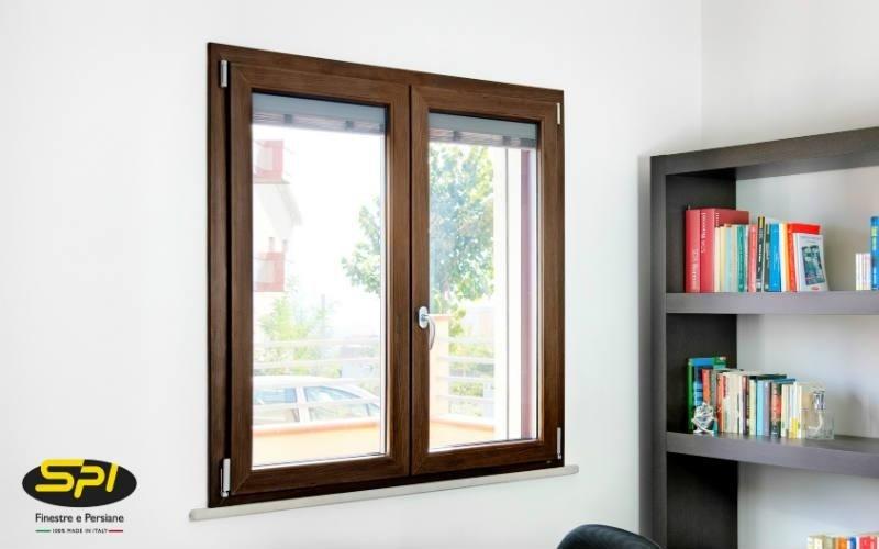 finestra in alluminio e legno essenza