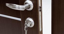 riparazione di serramenti