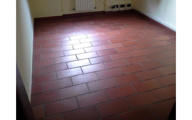 Lavaggio pavimento interno in cotto