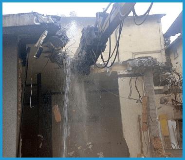demolizione tetto, caduta materiale edile, demolizione edile