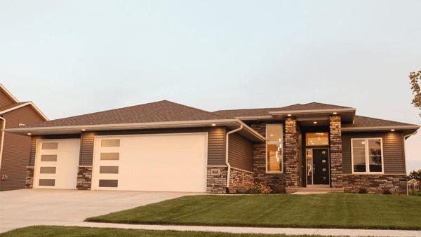 H&H Home Builders Exterior Design Image #9