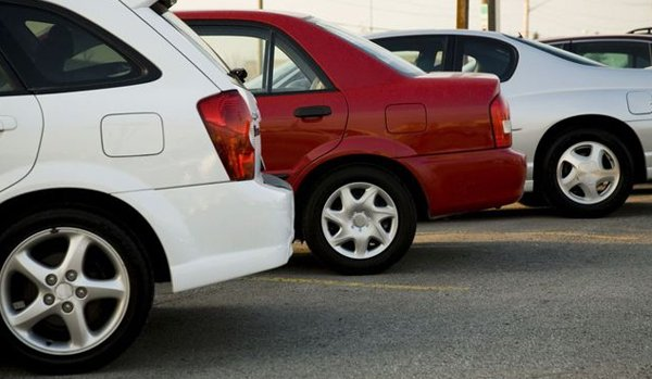 Cars in a row after auto towing in Dalton, GA