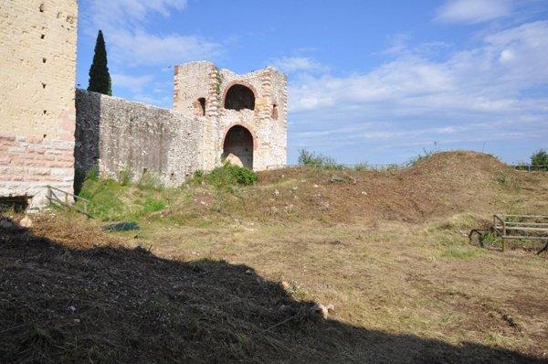 Realizzazione di Trasporti E Scavi Menon del Castello di Montorio a Verona