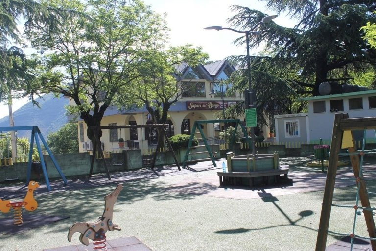 parco giochi vicino lenola