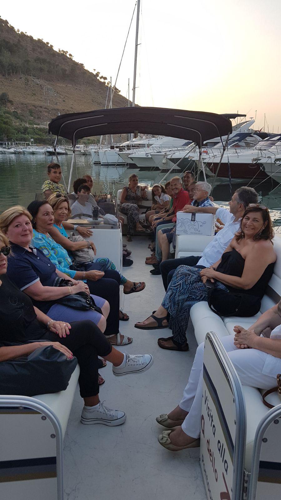 Pontoon Boat Escursione San Vito Lo Capo