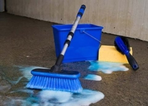 pulizia di pavimento