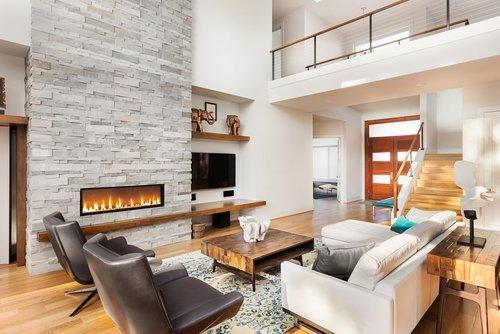 soggiorno moderno con caminetto