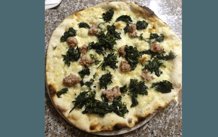 pizzeria, pizzeria forno a legna, pizza cotta a forno a legna, pizzeria L'impero, Vetralla, Viterbo
