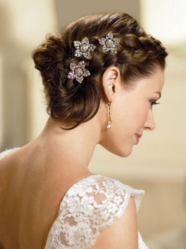 capelli raccolti per serate eleganti