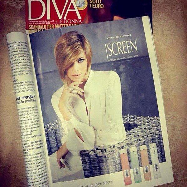 foto di una modella in una pagina di un giornale di moda