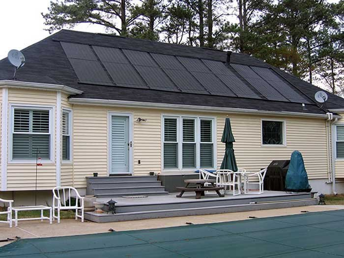 solar heating on black roof