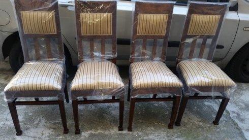 Esempio di restauro di sedie.