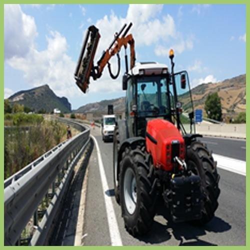 Lavori agricoli per conto terzi con mezzi meccanici