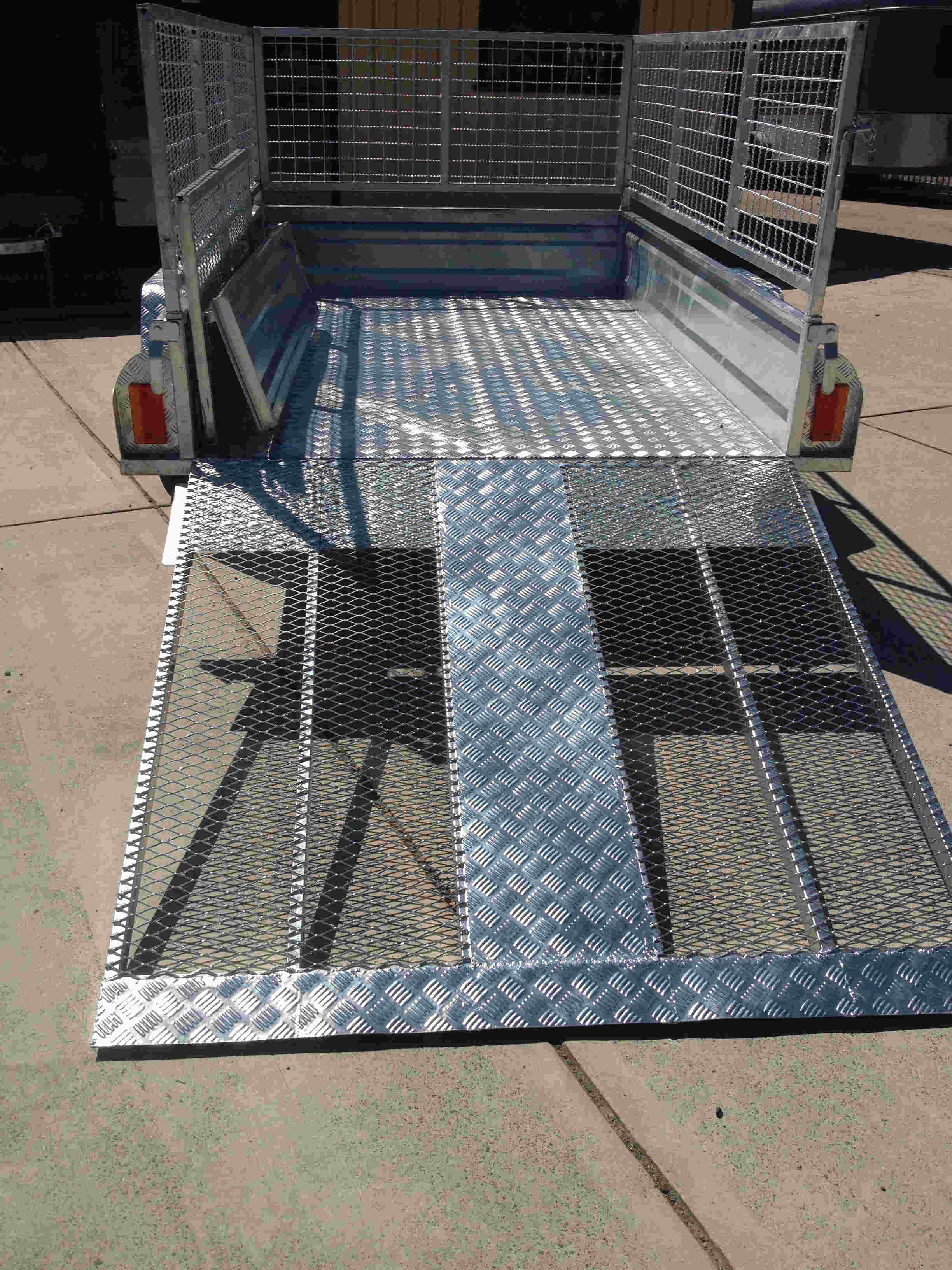 Gal trailer ramp
