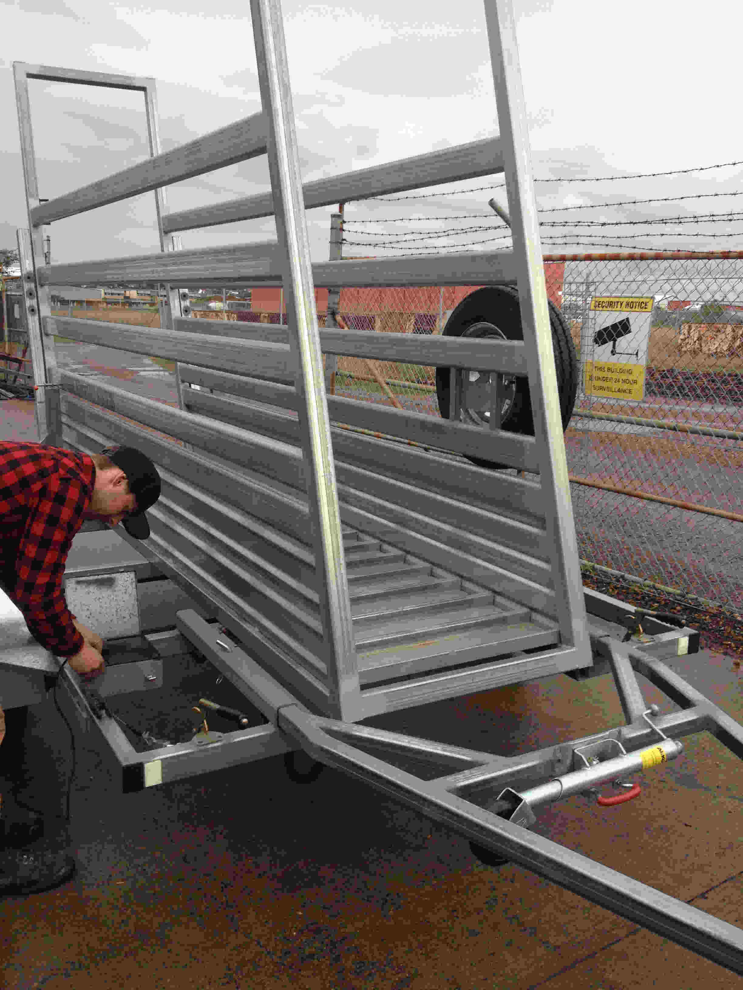 trailer cattle ramp