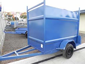 barn door enclosed trailer
