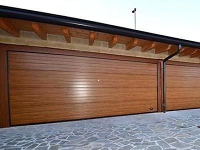 porte sezionali finto legno