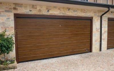 sezionale finto legno